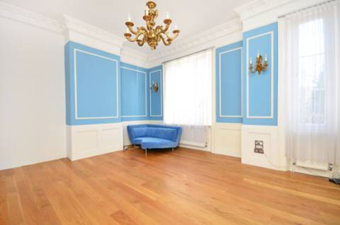View full details for Lonsdale Square, Barnsbury, N1