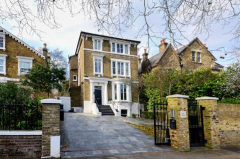 View full details for The Avenue, St Margarets, TW1