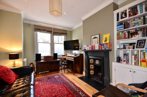 View full details for Peach Road, Queen's Park, W10