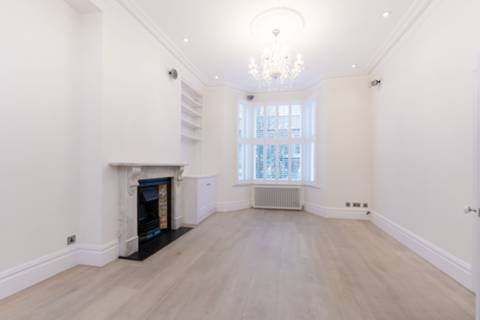 View full details for Bennerley Road, Between the Commons, SW11