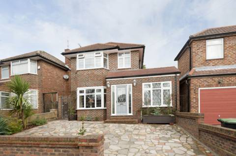 View full details for Lowther Drive, Oakwood, EN2