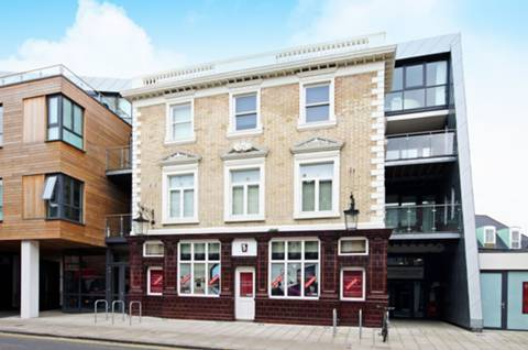 View full details for Metropolitan Court, Willesden Green, NW10