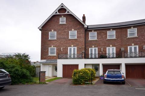 View full details for Newlands Crescent, Guildford, GU1