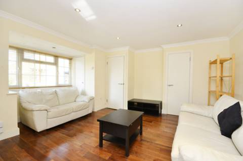 View full details for College Gardens, Wandsworth Common, SW17