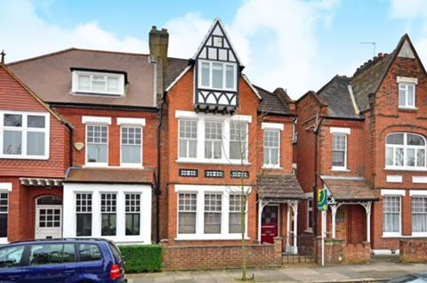 View full details for Fairlawn Avenue, Acton Green, W4