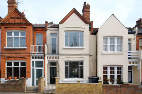View full details for Rathcoole Gardens, Crouch End, N8