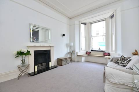 View full details for Westgate Terrace, Chelsea, SW10