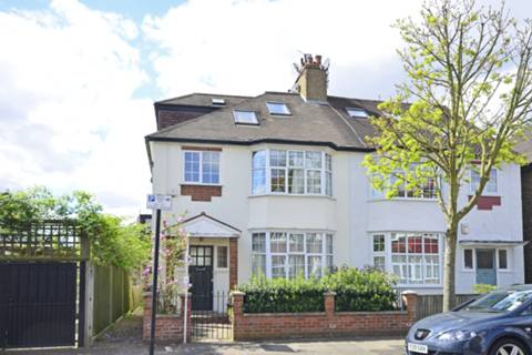 View full details for Lyminge Gardens, Earlsfield, SW18