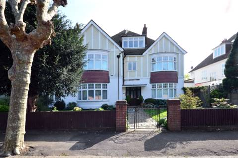 View full details for Parkside Gardens, Wimbledon, SW19