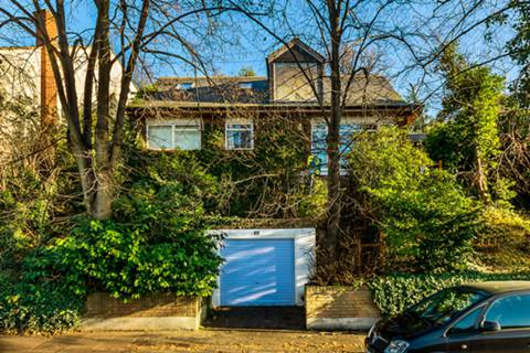View full details for Highland Road, Beckenham, BR1