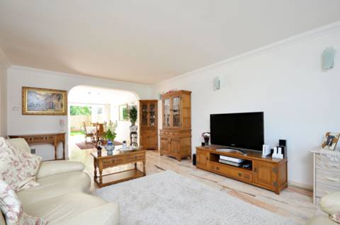 View full details for Cotswold Close, Kingston Hill, KT2