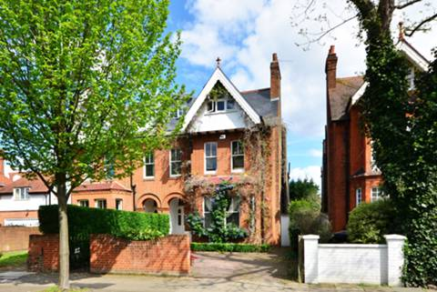 View full details for Grove Park Gardens, Chiswick, W4