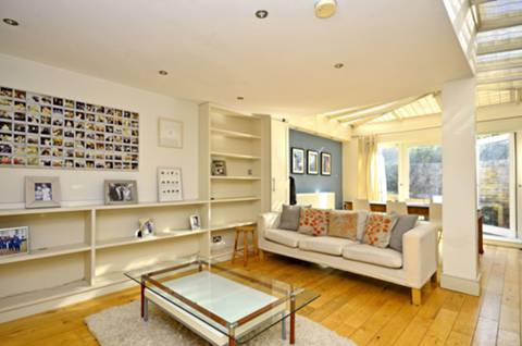 View full details for Robertson Street, Diamond Conservation Area, SW8