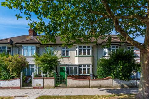 View full details for Boston Manor Road, Boston Manor, TW8