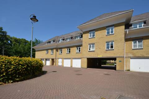 View full details for Century Court, Woking, GU21