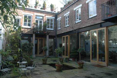 View full details for Roman Way, Barnsbury, N7