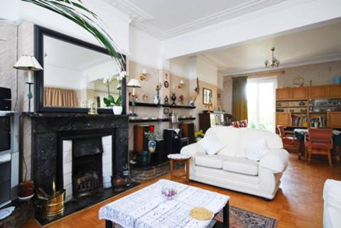 View full details for Perry Hill, Lewisham, SE6