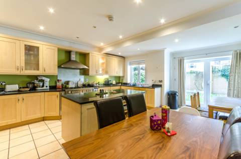 View full details for Ravenscourt Square, Ravenscourt Park, W6
