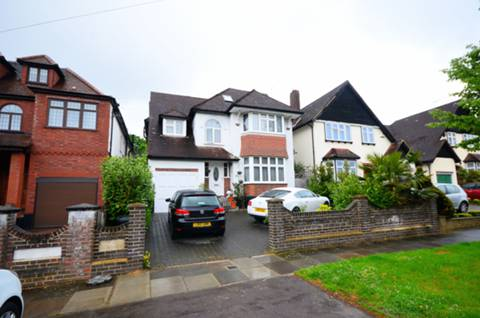 View full details for Houndsden Road, Winchmore Hill, N21