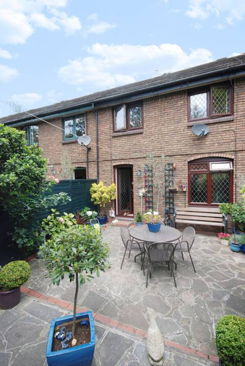 View full details for Colebeck Mews, Islington, N1