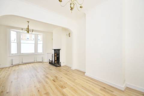 View full details for Garratt Lane, Earlsfield, SW18
