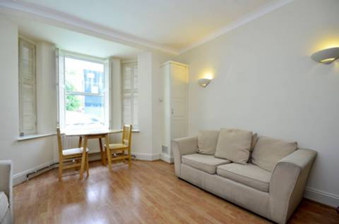 View full details for Parkhurst Road, Friern Barnet, N11
