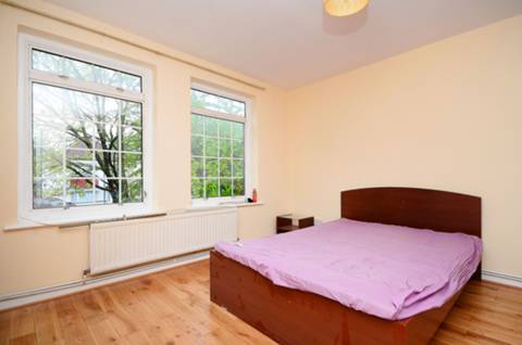 View full details for Crestbrook Place, Green Lanes, Palmers Green, N13