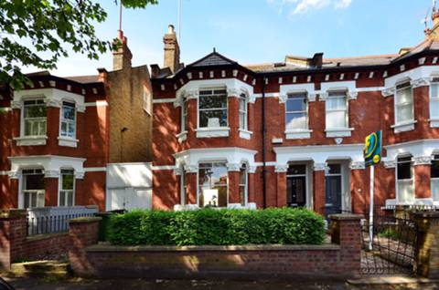 View full details for Sutton Lane South, Grove Park, W4