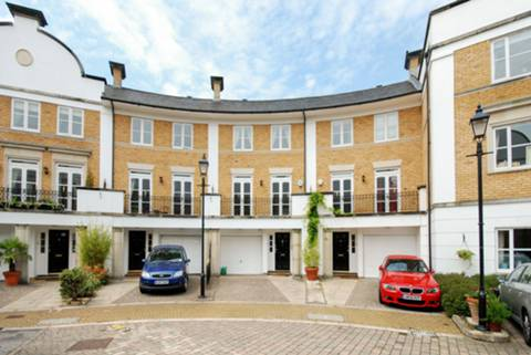 View full details for Thames Crescent, Chiswick, W4