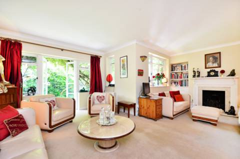 View full details for Church Street, Chiswick, W4