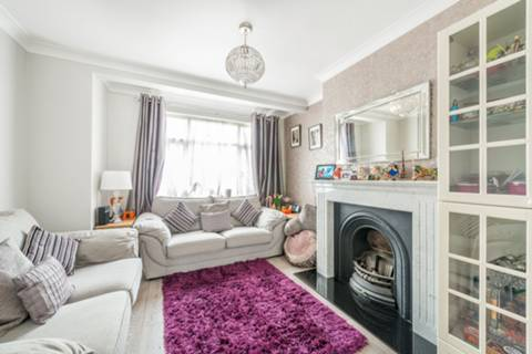 View full details for London Road, Isleworth, TW7