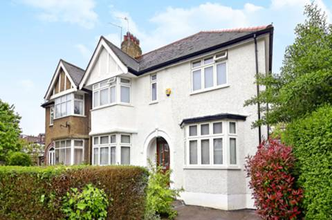 View full details for Holders Hill Gardens, Hendon, NW4