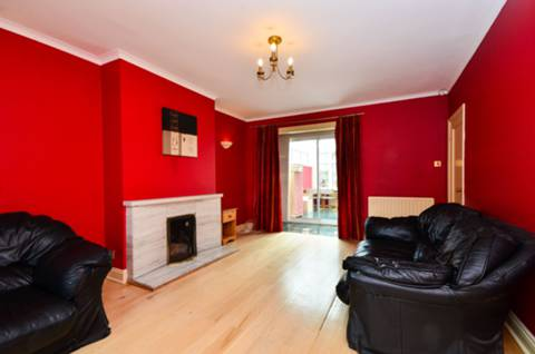 View full details for Wavertree Road, Streatham Hill, SW2