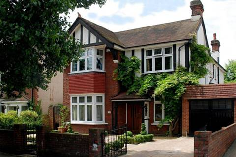View full details for The Grove, Isleworth, TW7