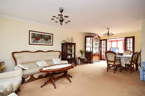 View full details for Lonsdale Drive, Oakwood, EN2