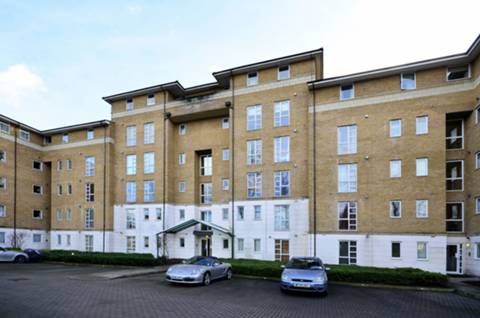 View full details for Sparkford Gardens, Friern Barnet, N11