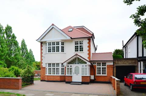 View full details for Park Road, Grove Park, W4