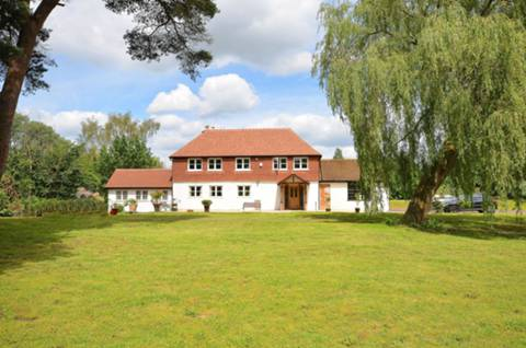 View full details for The Common, Shalford, GU4