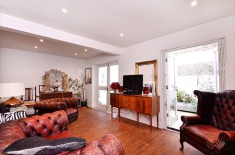 View full details for Hackney Road, Shoreditch, E2