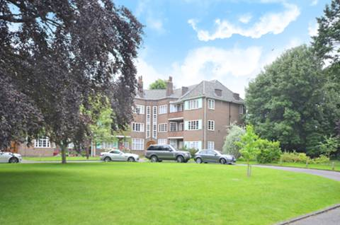 View full details for Roehampton Close, Putney, SW15