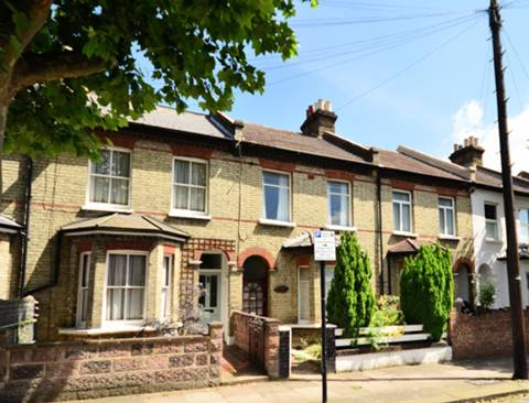 View full details for Sellincourt Road, Tooting, SW17
