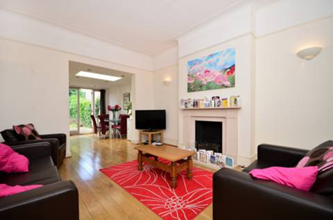 View full details for Streathbourne Road, Tooting Bec, SW17