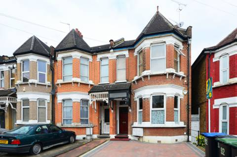 View full details for Palmerston Crescent, Palmers Green, N13