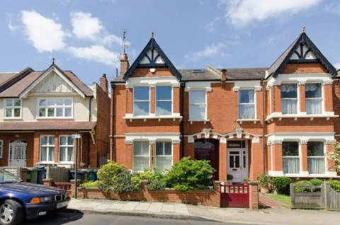 View full details for Roxborough Park, Harrow on the Hill, HA1