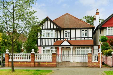 View full details for Atkins Road, Balham, SW12