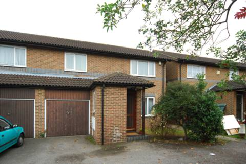 View full details for Abbeyfields Close, Ealing, NW10