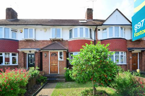 View full details for Old Manor Drive, Isleworth, TW7