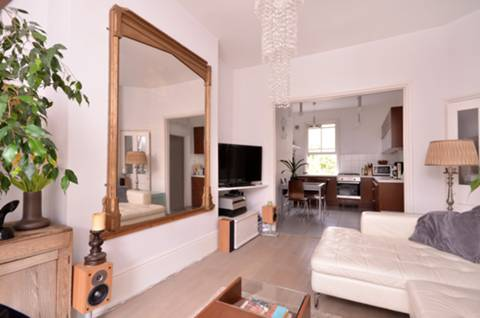 View full details for Almington Street, Stroud Green, N4