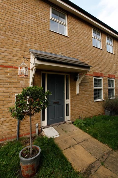 View full details for Hydethorpe Road, Hyde Farm Estate, SW12