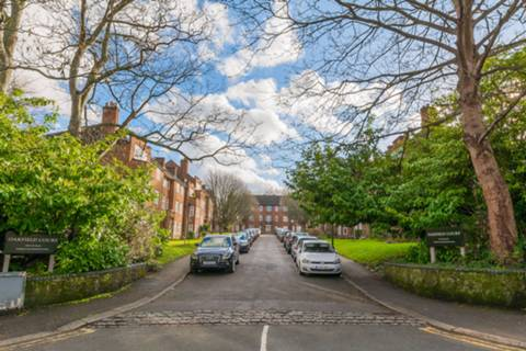 View full details for Haselmere Road, Crouch End, N8